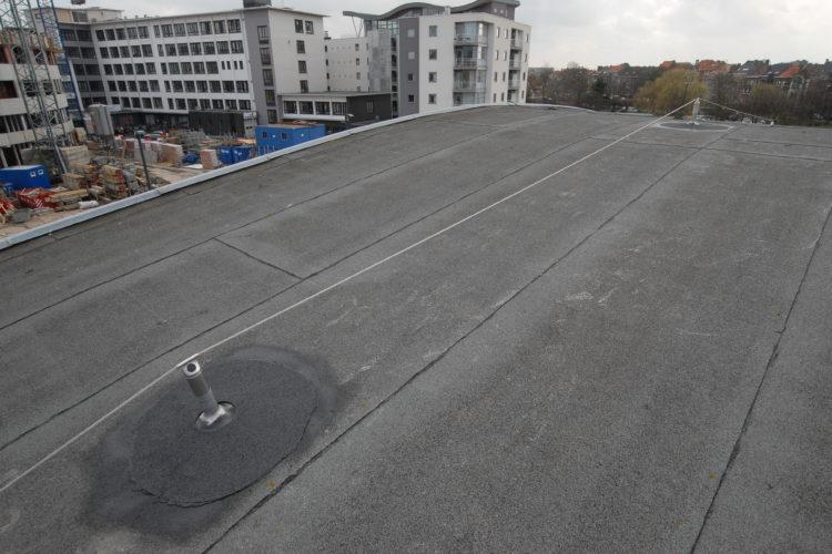 leeflijn op plat dak als valbeveiliging