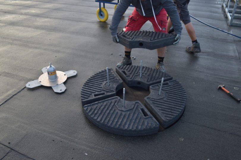 installatie ankerpunt op plat dak