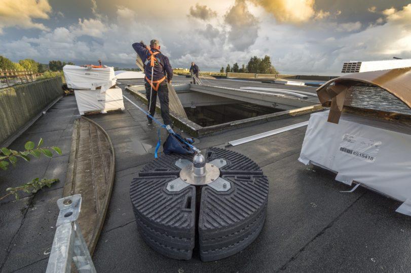 installation d'ancrages sur toit plat
