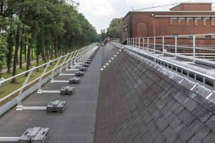 hekwerk op plat dak brouwerij westmalle